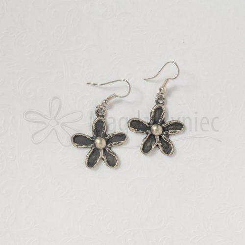Kwiatki czarne stokrotki pełne - kolczyki